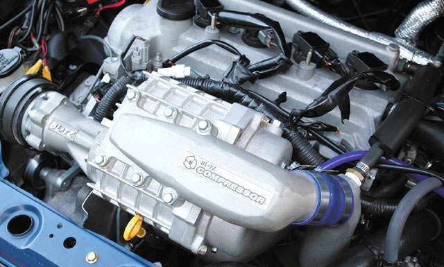 двигатель с установленным компрессором