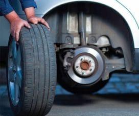 Почему машину тянет влево или вправо когда отпускаешь руль