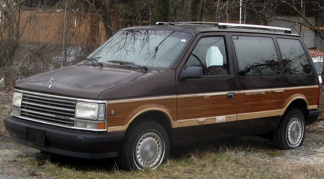 минивэн Plymouth Voyager